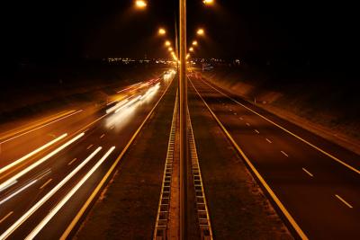 夜 道路 高速