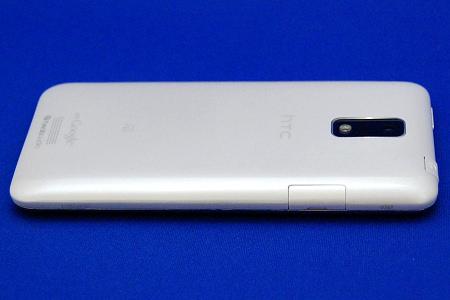 HTC J ISW13HT 左側面