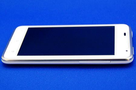 HTC J ISW13HT 右側面