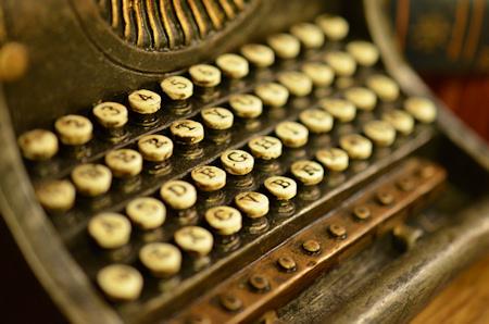 タイプライター オブジェ 寄り ニコン D5100 DX 40mm F2.8